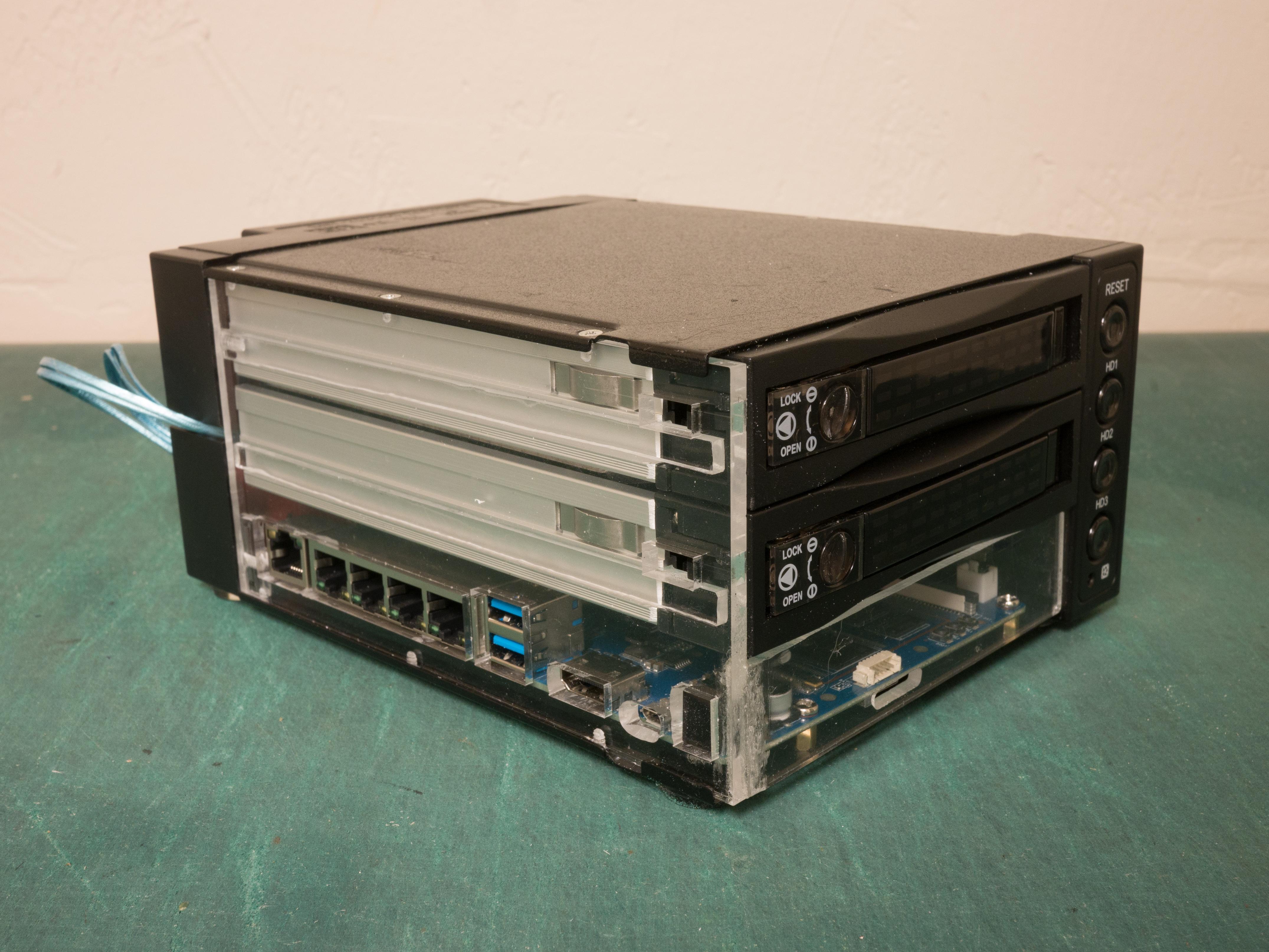 DIY NAS / Router
